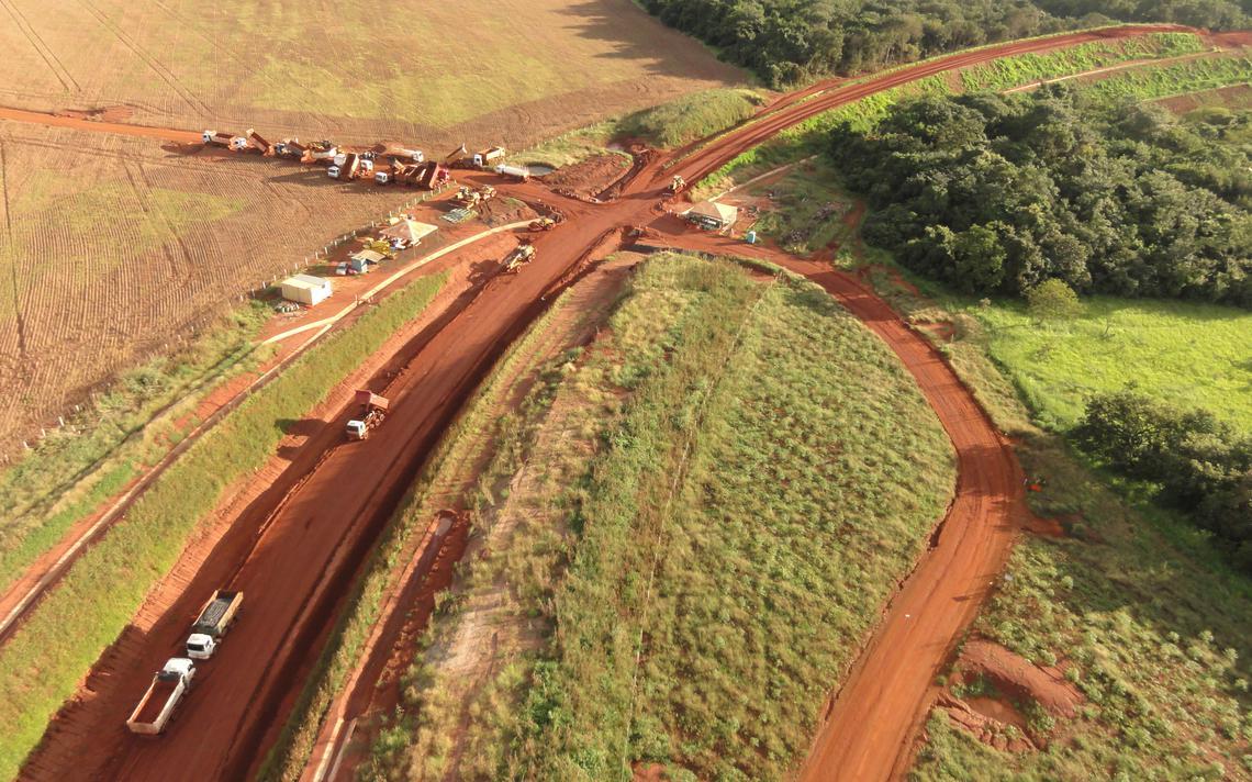 Canteiro de obras da ferrovia Norte-Sul em Goiás, em 2013