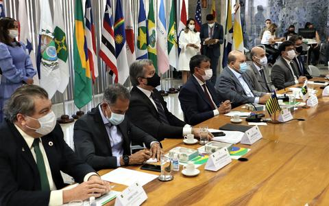 Governadores pedem reunião com Bolsonaro para conter crise