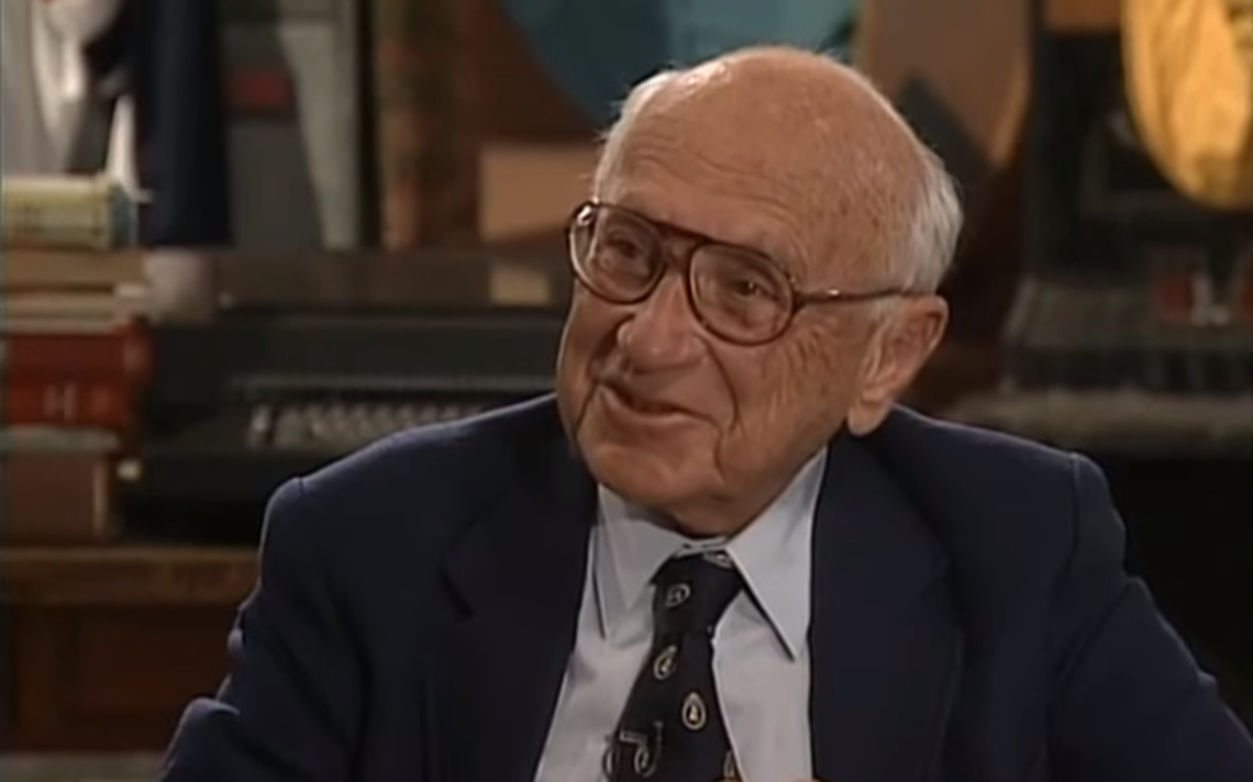 Milton Friedman é o principal expoente da teoria econômica desenvolvida em Chicago
