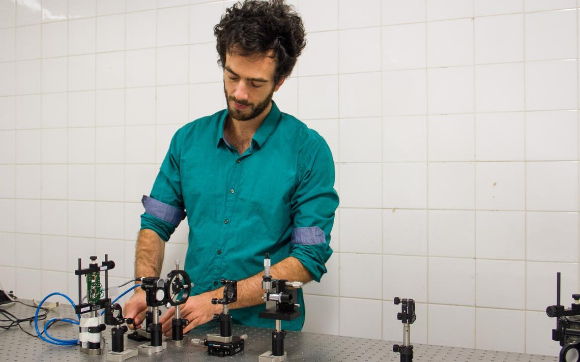 Depois de uma temporada estudando física de partículas, Gabriel Guerrer decidiu pesquisar telecinese