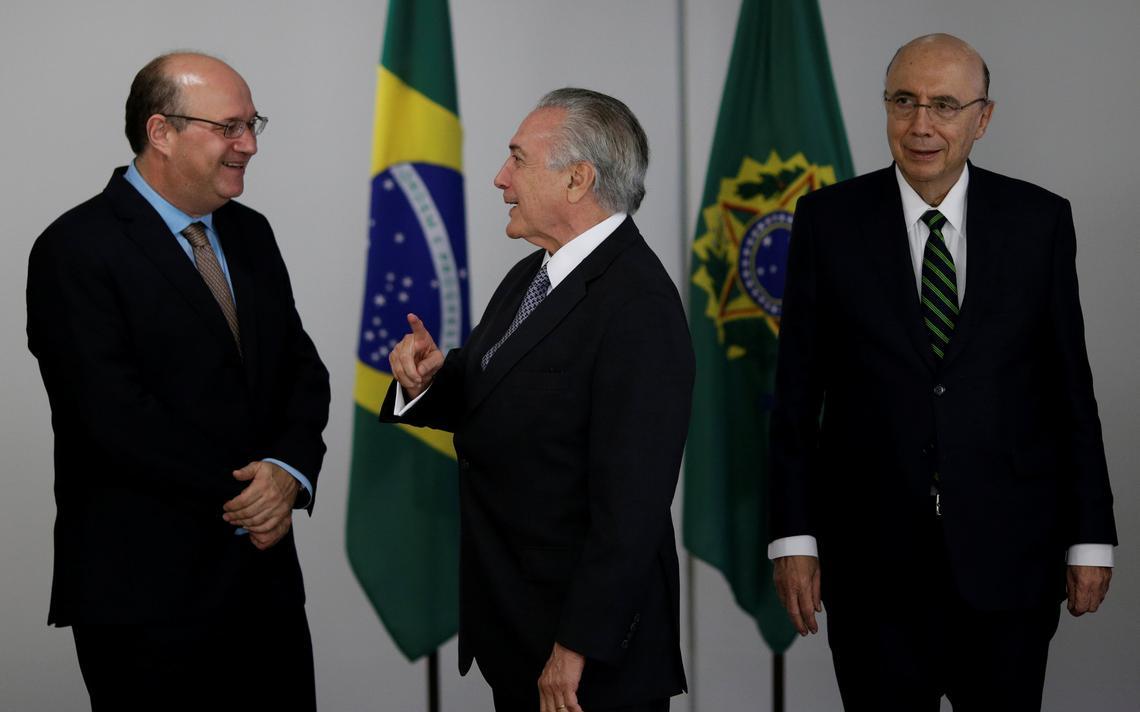 Goldfajn, Temer e Meirelles conversam no Palácio do Planalto