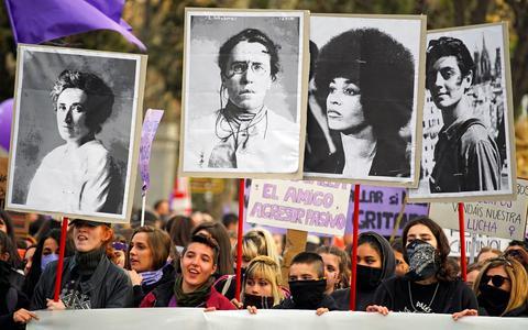 Feminismo: origens, conquistas e desafios no século 21