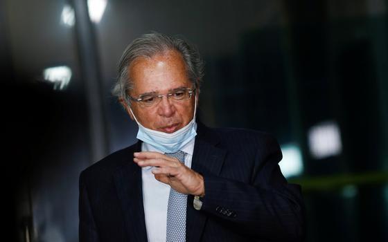 Secretários de Guedes pedem para sair após manobra fura-teto