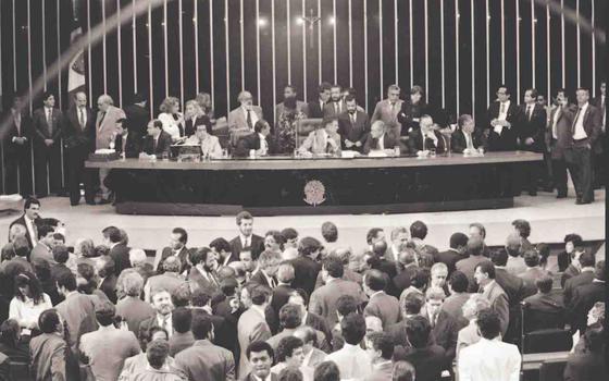 28 deputados votaram o impeachment de Collor e de Dilma: este é o resultado