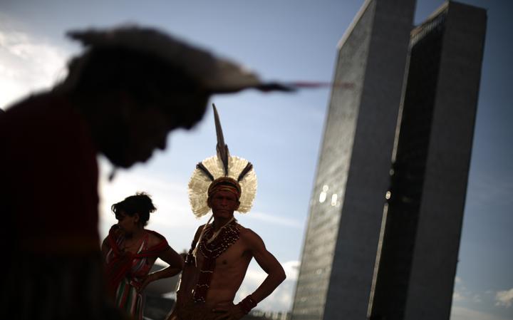 Indígenas vão a Brasília realizar encontro com ministros da então presidente Dilma Rousseff, em 2014