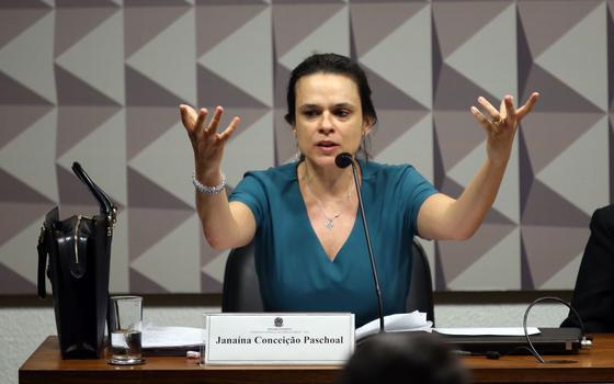 Temer assinou decretos iguais aos de Dilma. Por que ele não é alvo de impeachment