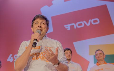 Sombra da corrupção: até o Novo agora é 'Fora Bolsonaro'