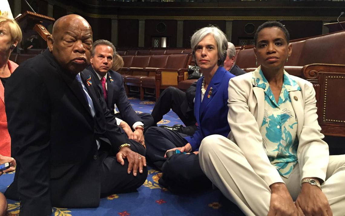 Congressista americano organizou protento nos EUA pela legislação de armas