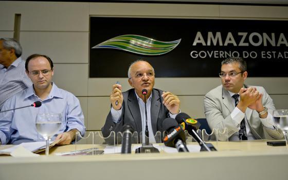 Justiça Eleitoral manda governador do Amazonas sair. Ele vai mesmo perder o cargo?