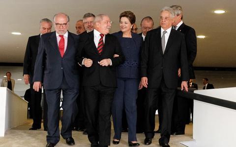 Como estavam FHC, Lula e Dilma a um ano da reeleição