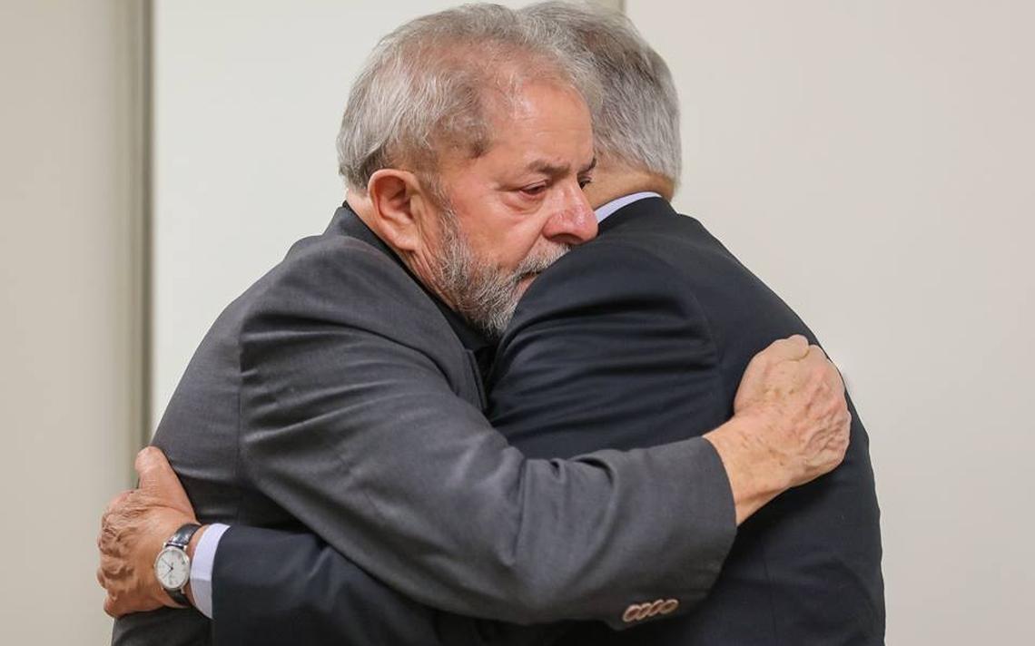 Ex-presidentes Lula e Fernando Henrique Cardoso