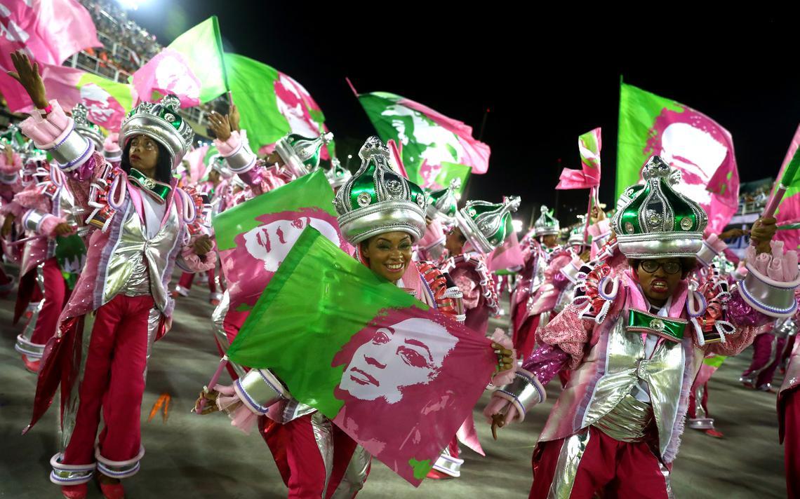 Desfile de carnaval da Mangueira homenageia Marielle Franco