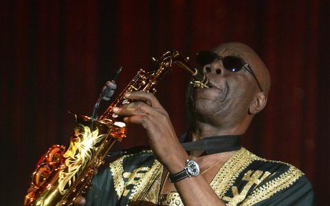 A influência de Manu Dibango, o decano da música africana
