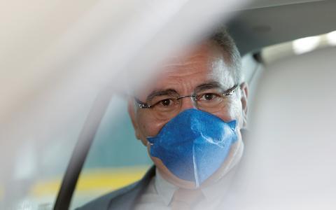Ministro da Saúde diz ser contra uso obrigatório de máscaras