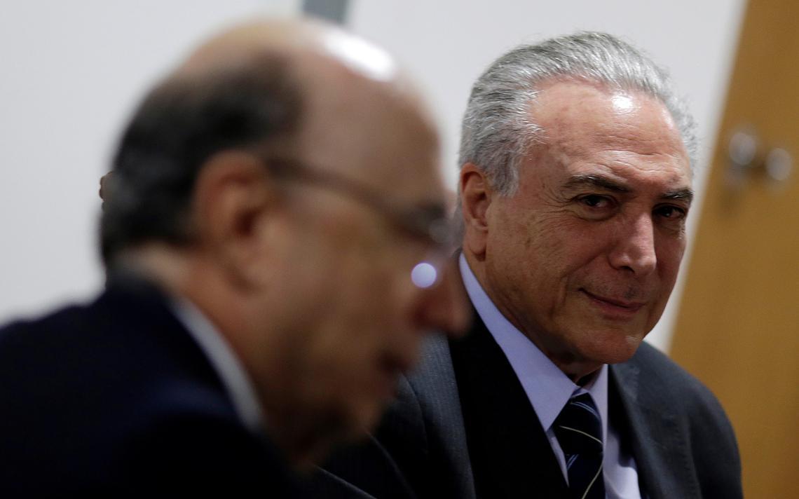 Presidente Michel Temer durante reunião com ministro da Fazenda Henrique Meirelles
