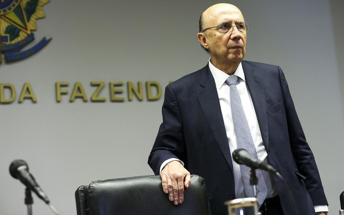 Henrique Meirelles concede entrevista em Brasília