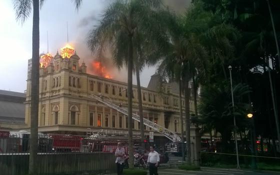 Incêndio atinge Museu da Língua Portuguesa. O que havia lá