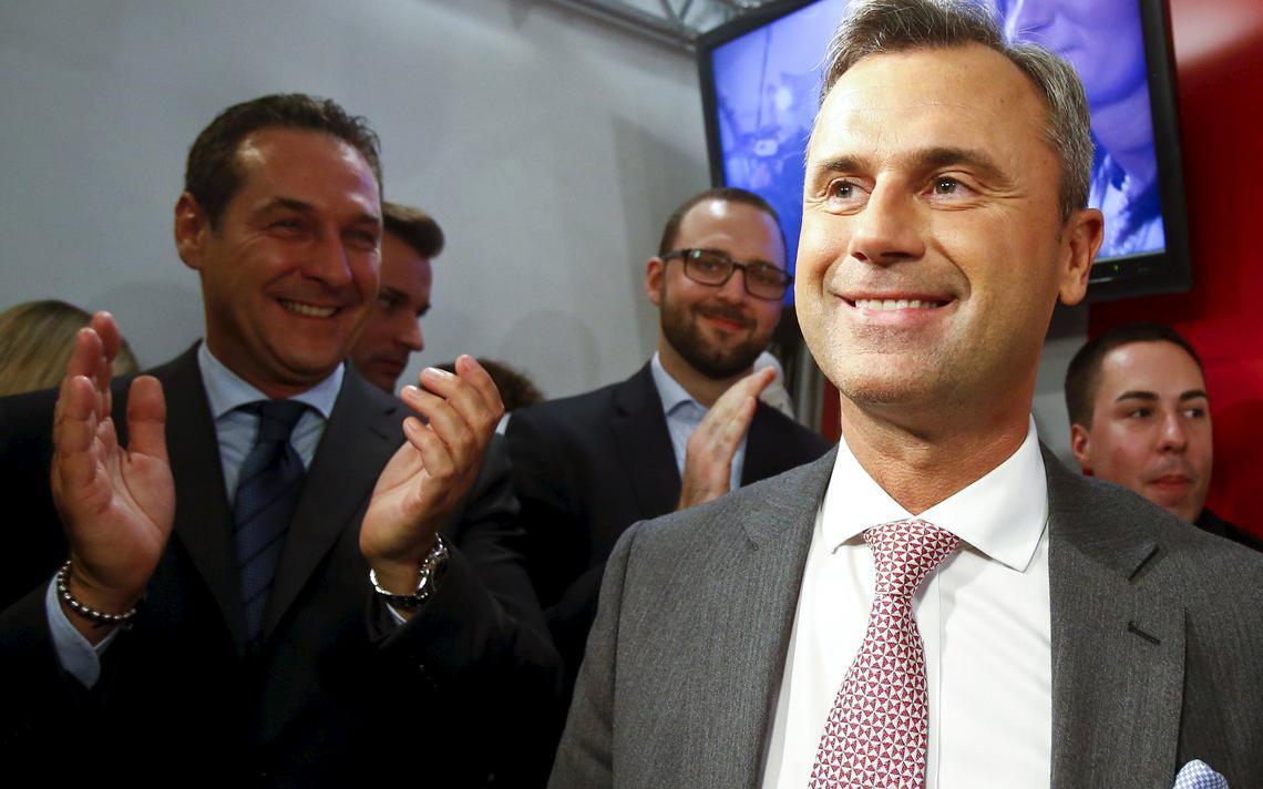 Hofer vibra com resultado das eleições na sede de seu partido