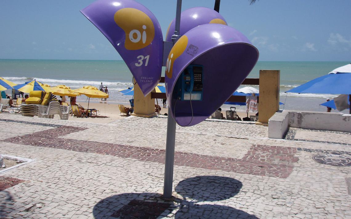 Orelhão no calçadão da praia no Rio Grande do Norte