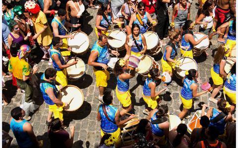 Maracatus, congada, frevos e orquestras: a história do Carnaval de Recife e Olinda
