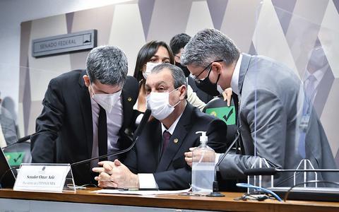 Prisão, tensão militar e demanda a Bolsonaro: os rumos da CPI