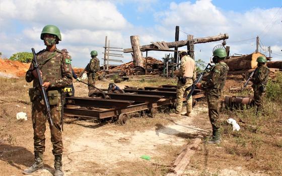 'Governo quer milícia oficial para fiscalizar a Amazônia'