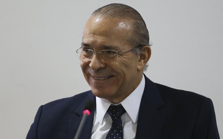 Padilha comanda reunião no Palácio do Planalto, após voltar de licença médica