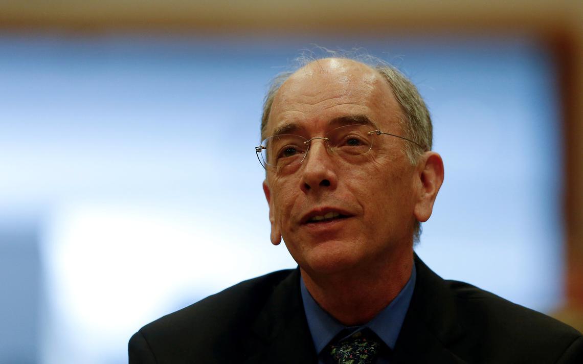 Pedro Parente, presidente da Petrobras, durante conferência de leilão de campos de petróleo