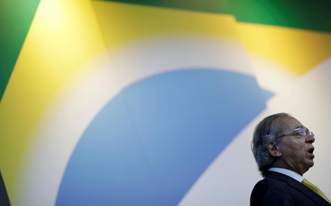 Ministro Paulo Guedes fala durante evento em Brasília