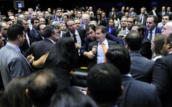 Dilma sofre derrota e Supremo manda parar tudo. Saldo: 3 sinais pró-impeachment e 2 contra