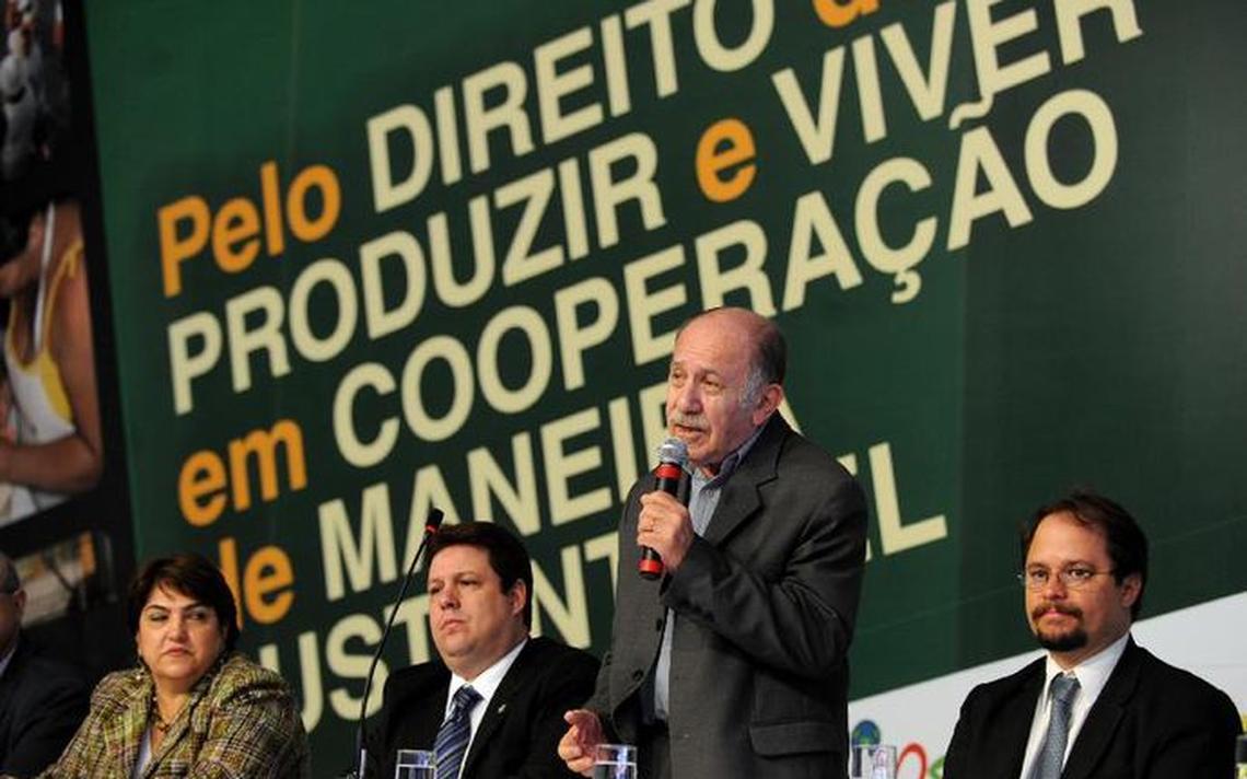 Paul Singer fala em evento da Secretaria Nacional de Economia Solidária