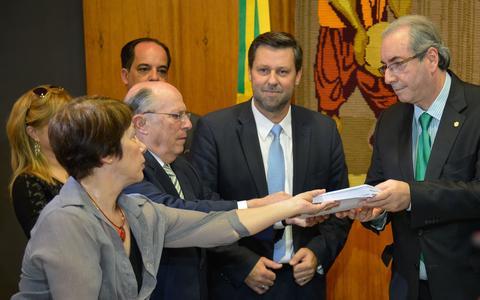 O pedido original de impeachment e o que Cunha aceitou de fato