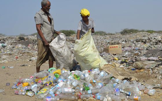 O mundo tem muito plástico. O que fazer para reverter o quadro