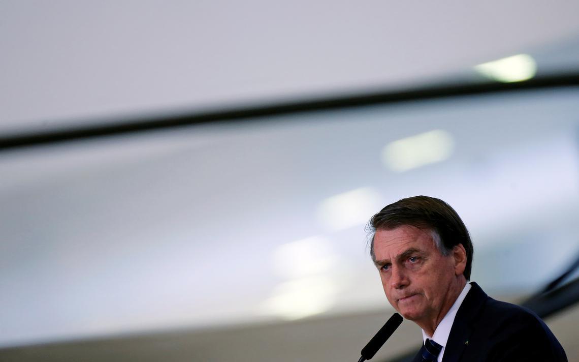 Bolsonaro discursa em cerimônia no Palácio do Planalto