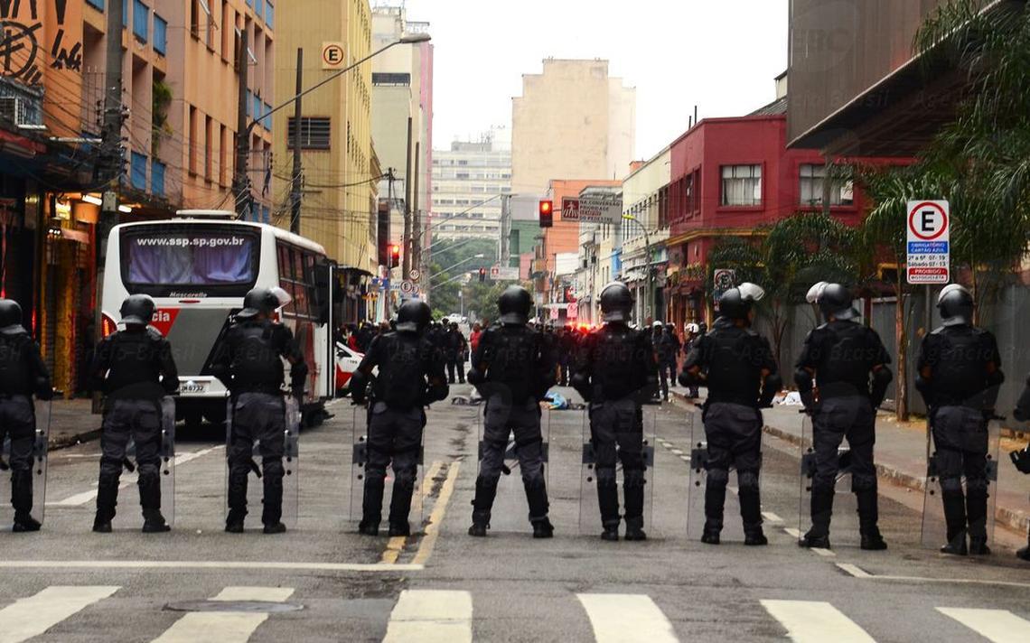 Foto da polícia militar em São Paulo