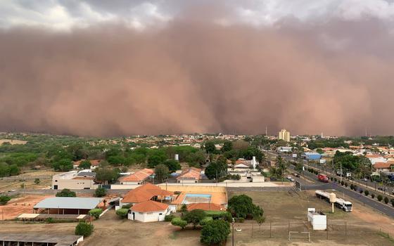 Quatro pessoas morrem após 2ª tempestade de poeira em SP