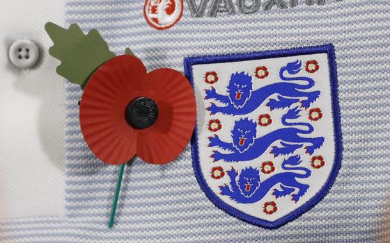 Por que Reino Unido e Fifa estão brigando por uma flor
