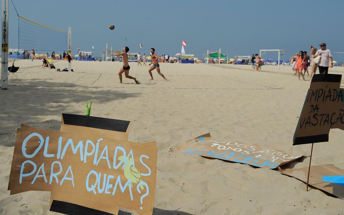 Cartaz com mensagem de protesto à Olimpíada do Rio