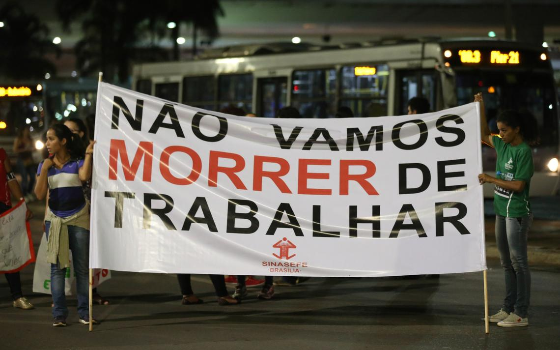 Manifestantes protestam contra a reforma da Previdência