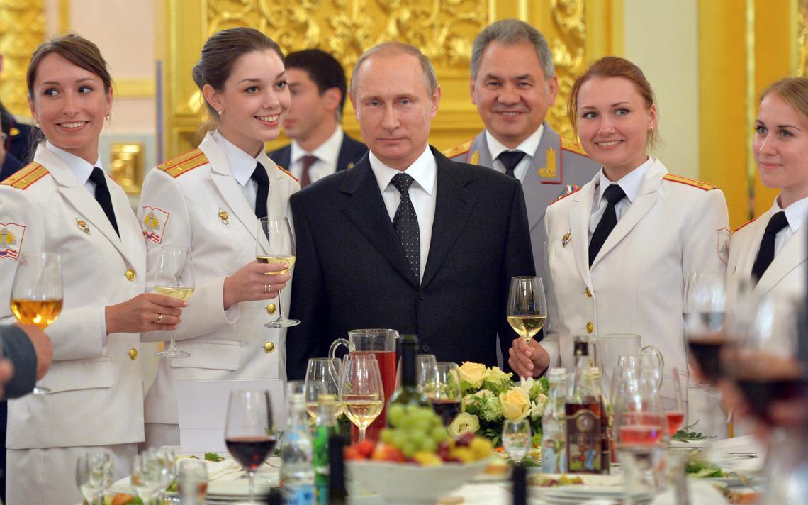 Putin renovou embargo a produtos ocidentais, o que inclui toneladas de alimentos