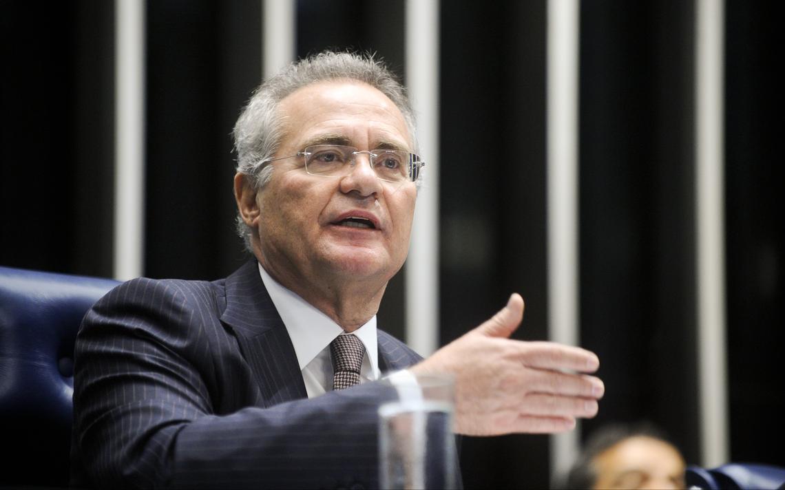 Renan Calheiros preside sessão no Senado