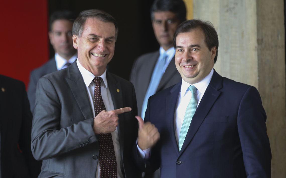 Rodrigo Maia e Jair Bolsonaro após reunião em novembro