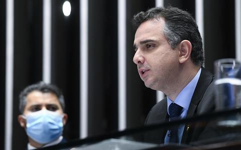 Presidente do Senado considera pedido de Bolsonaro um retrocesso