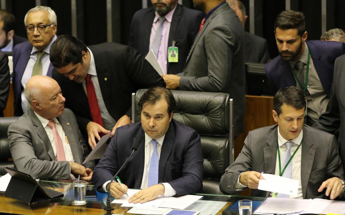 O presidente da Câmara dos Deputados, Rodrigo Maia, durante sessão no plenário, que analisa o PL 5029/2019 que modifica lei dos partidos e regras eleitorais