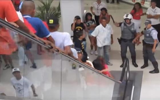 Rolezinhos voltam a ser permitidos em shoppings do interior de São Paulo