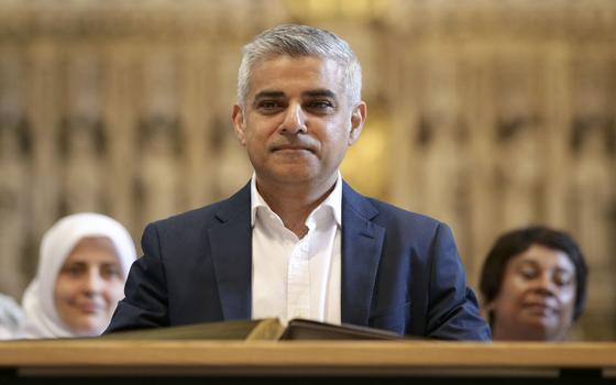 Qual a importância de Londres ter eleito um muçulmano para prefeito