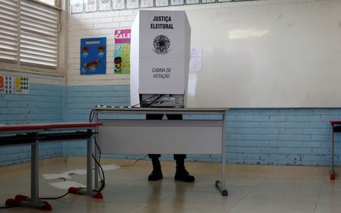 Pilares do voto: atalhos, estereótipos e fake news