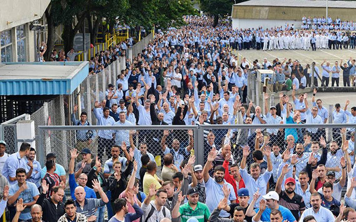 Metalúrgicos de São Caetano (SP) votam em assembleia convocada por sindicato