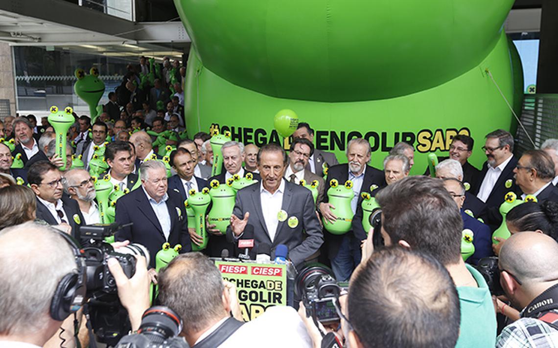 Skaf lança campanha do sapo na porta da Fiesp