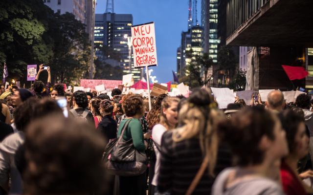 Mulheres se reuniram na Av. Paulista, em SP, para protestar contra a cultura do estupro